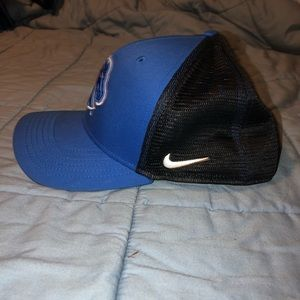 d0beb78a85380 Nike Accessories - NEW Nike Boise State Hat